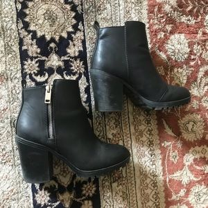 Divided Black Heeled Boots Size 36